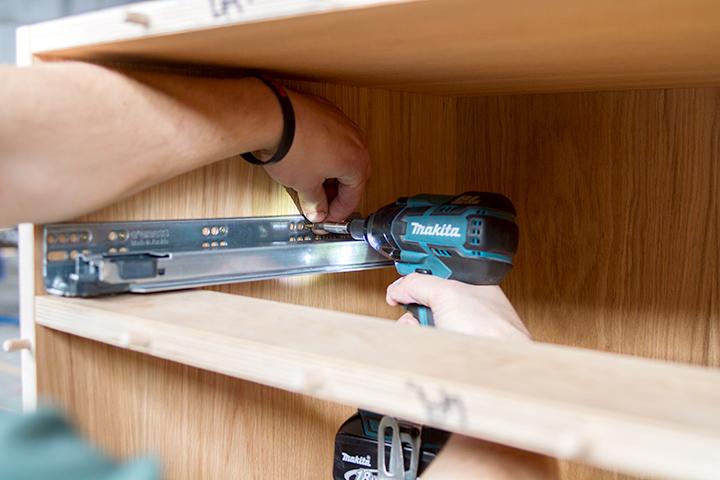 fitting a drawer runner
