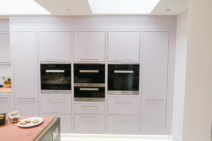 sleek minimalist kitchen design