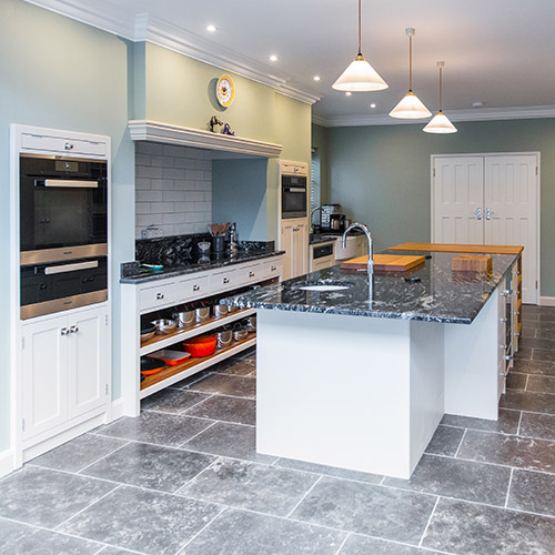 earlsfield traditional in frame kitchen